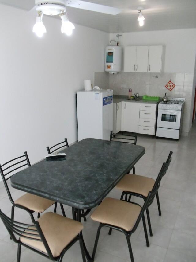 Cocina comedor departamento 2 aparts la aldea for Ubicacion de cocina